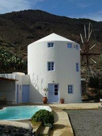 Hotel on santorini paradise